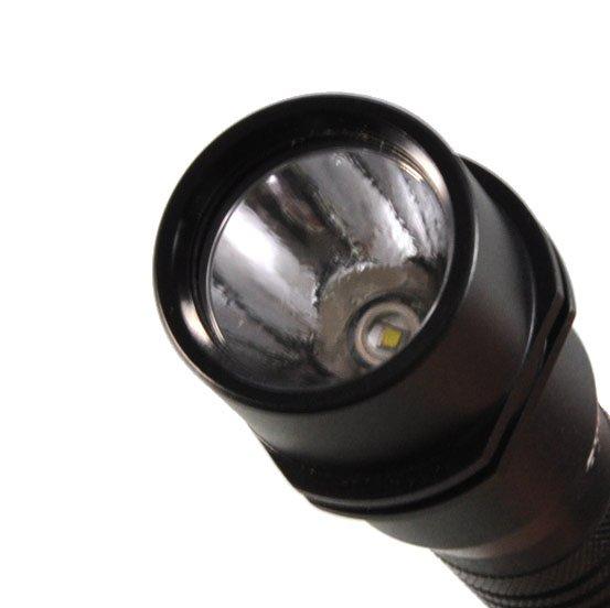 強力なC4 LED
