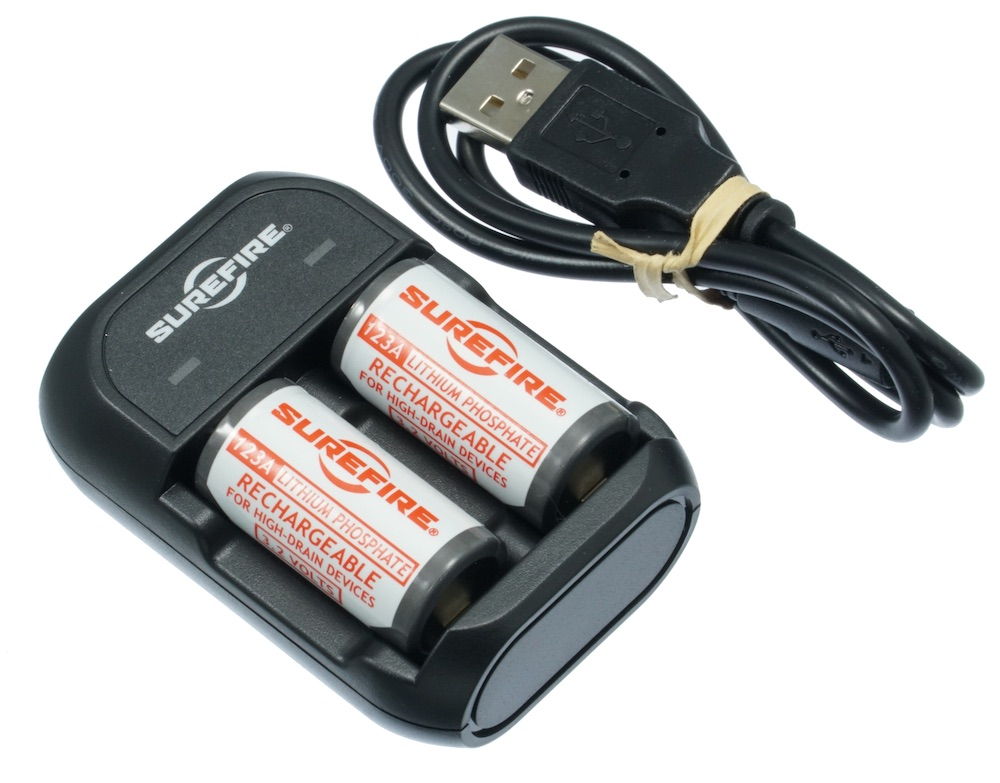 SUREFIRE シュアファイア リチウム充電式バッテリー、充電器セット SFLFP123-KIT